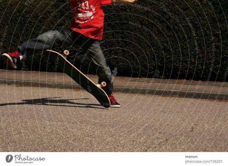 Skate it! VII Skateboarding schwarz rot Sport Freizeit & Hobby Gesundheit beweglich Körperbeherrschung Kick springen Junge Kind Jugendliche Aktion Spielen