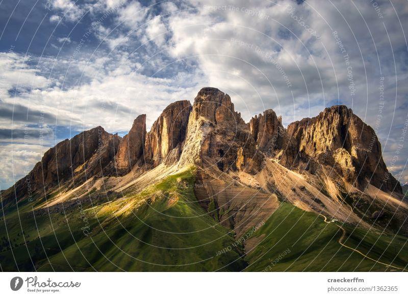 Dolomiten VI Ferien & Urlaub & Reisen Tourismus Ausflug Abenteuer Freiheit Sommer Sommerurlaub Berge u. Gebirge wandern beobachten alt ästhetisch