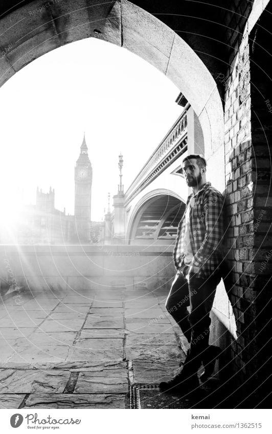 Big Ben und König Maier Lifestyle Stil Ferien & Urlaub & Reisen Tourismus Ausflug Mensch maskulin Junger Mann Jugendliche Erwachsene Leben Körper 1 18-30 Jahre