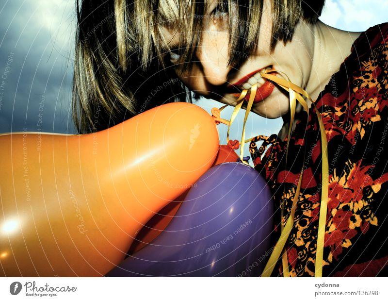 Mundgerecht Luftballon mehrfarbig 3 Kleid Stoff Muster retro Nostalgie braun zweiteilig Blume Märchen mystisch Stil Frau hängen Hintergrundbild entdecken