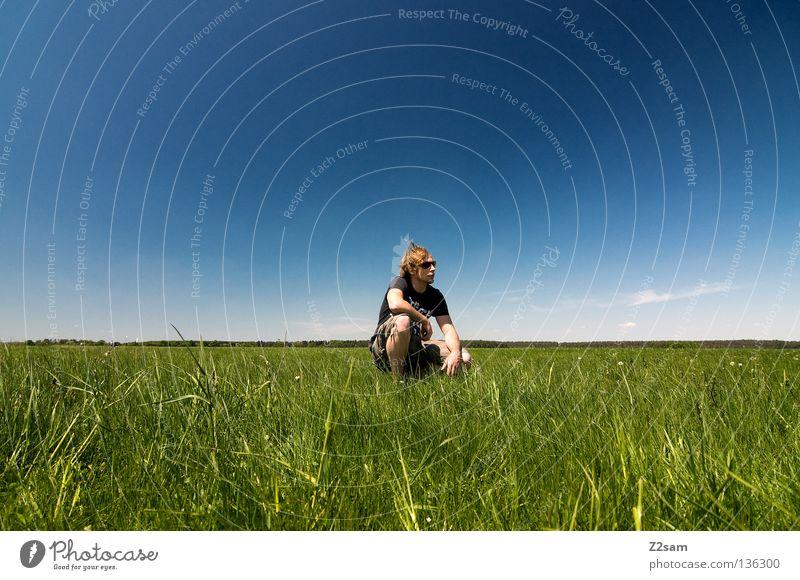 chillout sunday III Mann Natur Jugendliche Himmel weiß grün blau Sommer ruhig Ferne Farbe Erholung Wiese springen Stil Gras