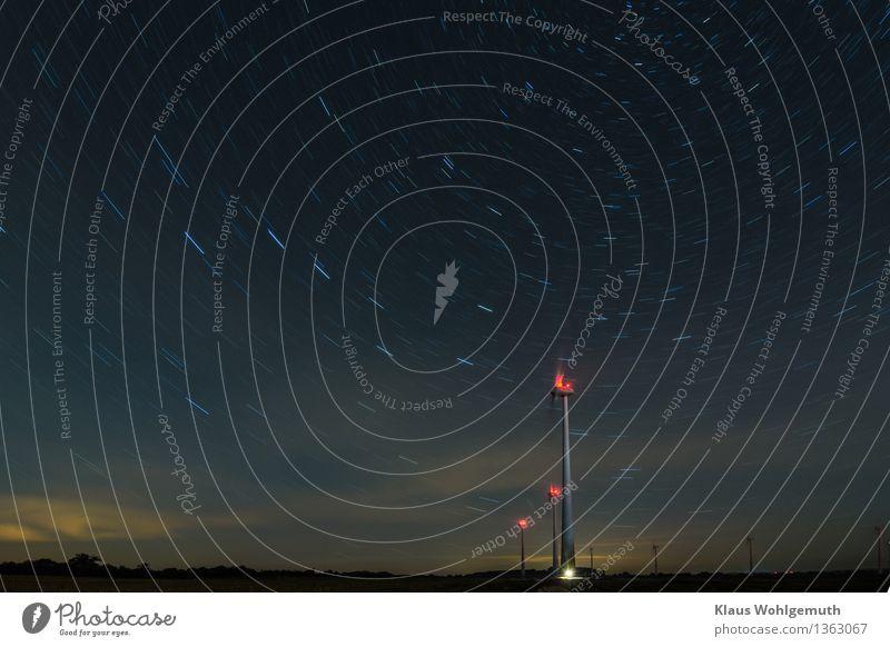 700 Sekunden Energiewirtschaft Windkraftanlage Landschaft Himmel Wolkenloser Himmel Nachthimmel Stern Horizont Herbst Schönes Wetter Feld Wald drehen leuchten
