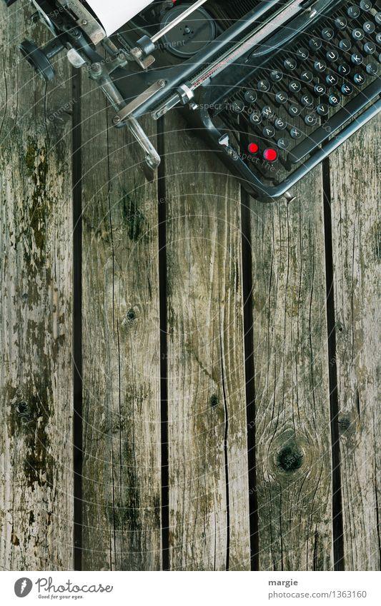 Schreibmaschine alt rot schwarz Holz Büro Schriftzeichen Technik & Technologie Kommunizieren lernen Telekommunikation retro Buchstaben Vergangenheit Information Bildung schreiben