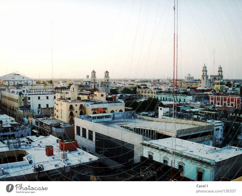 Mérida Stadt Bewegung Leben Haus Kran Ferien & Urlaub & Reisen Blech groß Halbinsel Tourist Dach bewohnt Morgen Mexiko Panorama (Aussicht) Yucatan oben