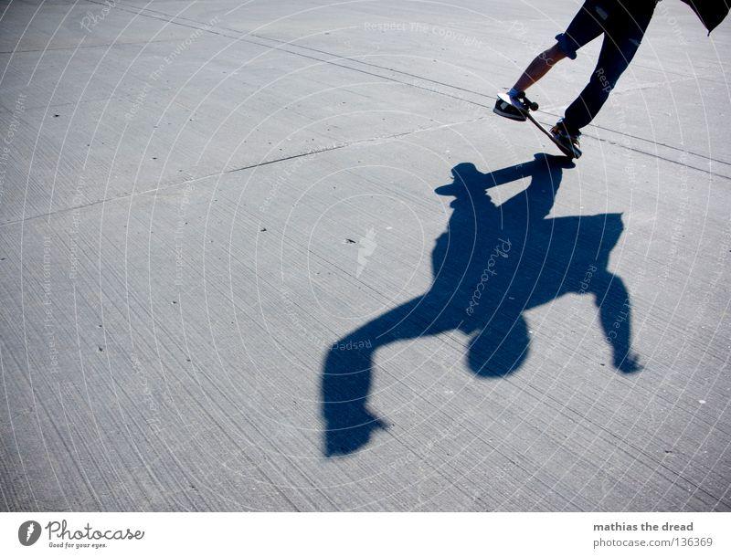 CASPER Sport Gesundheit Casper Freestyle Mann Junger Mann Sommer Beton dunkel Silhouette hart ungemütlich Stil gefroren Extremsport Skateboarding Funsport