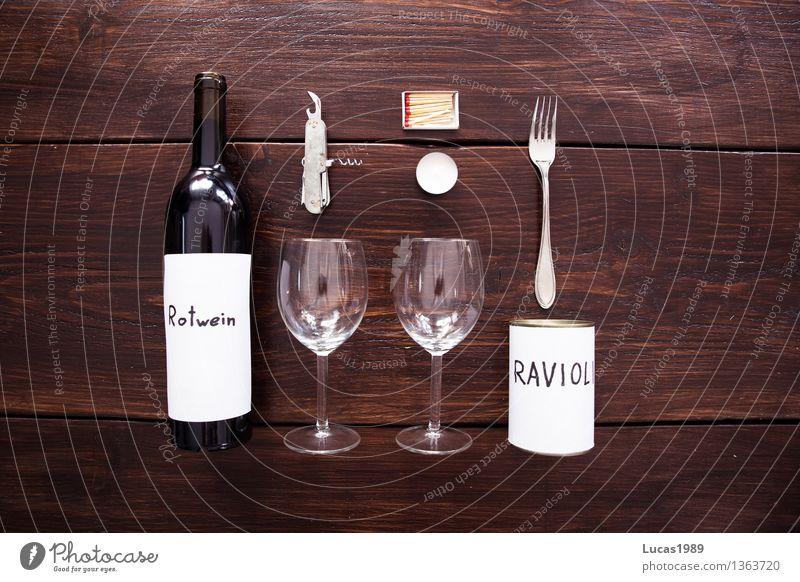 Romantik? Lebensmittel Essen Abendessen Festessen Geschäftsessen Picknick Getränk Alkohol Wein Rotwein Flasche Glas Gabel Dosenöffner Korkenzieher Streichholz