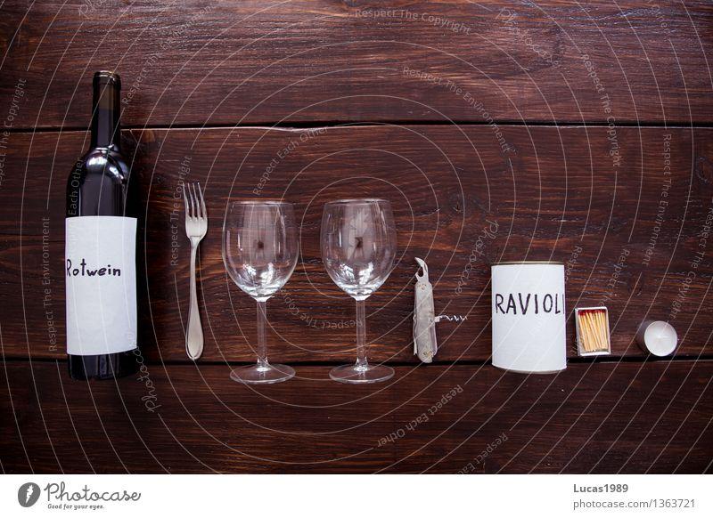 Erstes Date - Super Still Life Ravioli Ernährung Essen Picknick Festessen Candle Light Dinner Rotwein Wein Glas Weinglas Dosenöffner Streichholz Kerze Teelicht