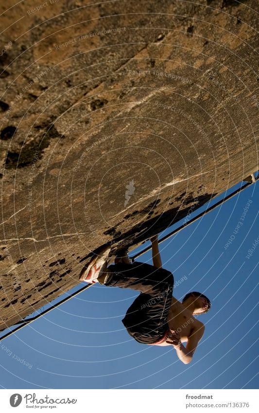 steilwand Jugendliche Himmel Freude Sport Erholung springen Bewegung Mauer Zufriedenheit elegant frei verrückt Aktion ästhetisch Coolness