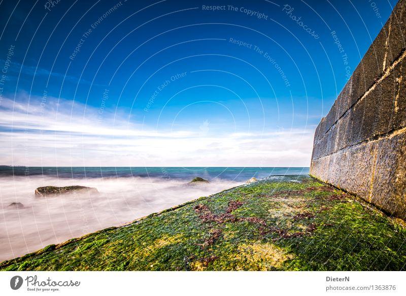 Dreiecke Umwelt Landschaft Wasser Himmel Wolken Sonnenlicht Schönes Wetter Küste Strand Ostsee Meer blau braun grün weiß Algen Mauer Stein Horizont Felsen Linie