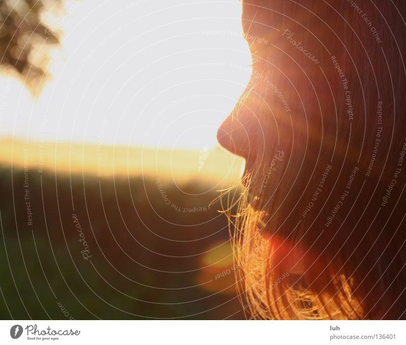 you don't know how lovely you are... Haare & Frisuren Gesicht Sommer Sonne Kind Mädchen Jugendliche Feld leuchten Gefühle Stimmung Zufriedenheit