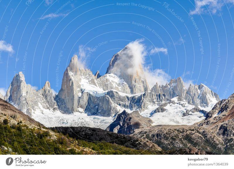 Die Spitzen von Fitz Roy Berg, Argentinien Schnee Berge u. Gebirge wandern Klettern Bergsteigen Natur Landschaft Himmel Park Felsen Gletscher See blau