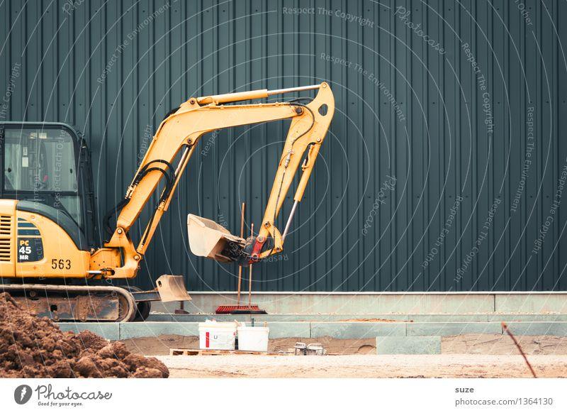 Die Arbeit läuft nicht weg Arbeit & Erwerbstätigkeit Arbeitsplatz Baustelle Industrie Dienstleistungsgewerbe Mittelstand Mauer Wand Stein Sand Metall gelb grau