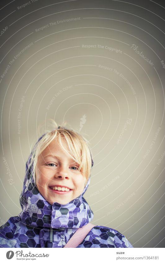 Auf Regen folgt Sonnenschein Lifestyle Freude Mensch feminin Kind Mädchen Kindheit Kopf Gesicht Mund Zähne 8-13 Jahre Herbst Wetter Mode Bekleidung Jacke blond