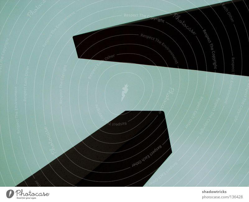 Eindringlinge Beton Strukturen & Formen Geometrie fallen grau eckig Feindschaft Architektur Kontrast Stein Himmel Bauhaus Schatten verrückt stoßen