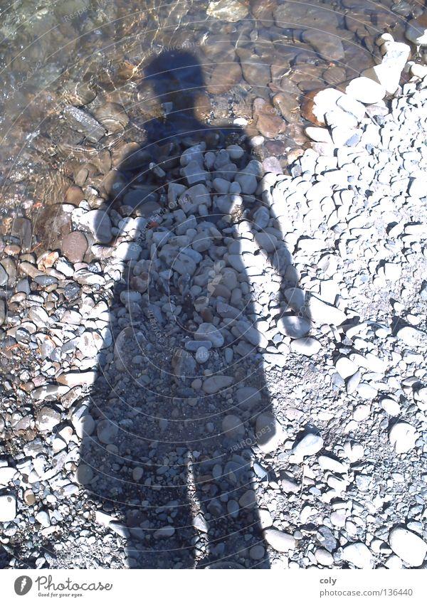 Schattengestalt Mensch Wasser Freude Stein Freizeit & Hobby Fluss Selbstportrait standhaft
