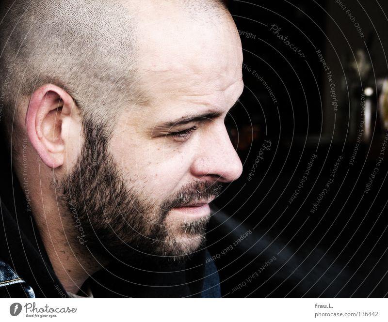 Profil Mann rasiert Dreitagebart Porträt Silhouette Rauch Gelassenheit attraktiv Mensch Gastronomie Bartstoppel Rauchen