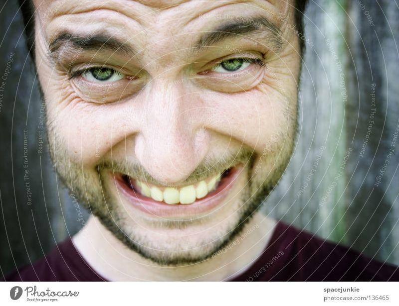 Hallo Sommer! Mann Natur Freude Gesicht lachen lustig Mund Zähne Lippen Bart skurril Lebensfreude Duft grinsen Witz