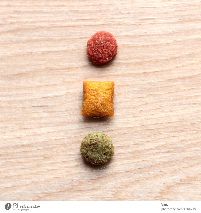 Katzenfutter, Ampel grün rot gelb Holz Getreide Fleisch Futter