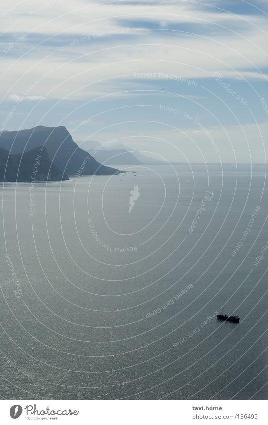 Cape Point Himmel blau Sommer Strand Ferien & Urlaub & Reisen Meer Wolken Einsamkeit Ferne Berge u. Gebirge Gefühle Graffiti träumen Luft Wasserfahrzeug Wind