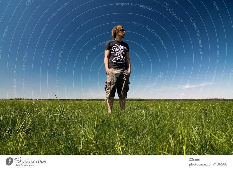 chillout sunday - aussicht Mensch Mann Natur Jugendliche Himmel weiß grün blau Sommer ruhig Ferne Farbe Erholung Wiese springen Stil