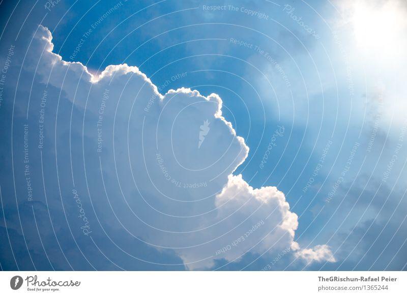 Cloud Natur Himmel Wolken Gewitterwolken blau grau schwarz weiß Kumulus Regen Ferne Stimmung Sonnenstrahlen Farbfoto Außenaufnahme Menschenleer