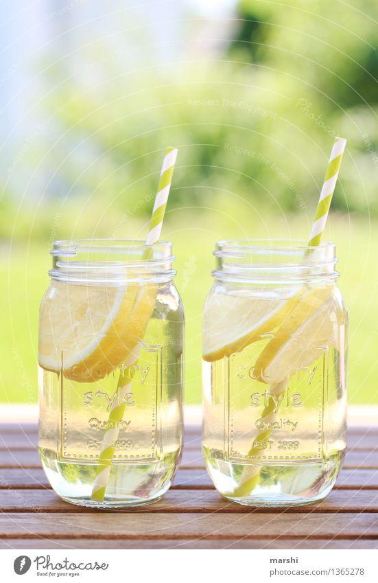 Limo Natur Sommer Erholung Gefühle Wiese Garten Lebensmittel Stimmung Freizeit & Hobby Glas Getränk trinken Erfrischung Zitrone Durst Erfrischungsgetränk