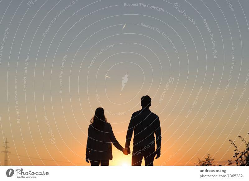 #281 Paar Partner Mensch gehen genießen Liebe stehen Ferne frei Zusammensein Unendlichkeit Freude Glück Lebensfreude Vorfreude Mut Freundschaft Verliebtheit