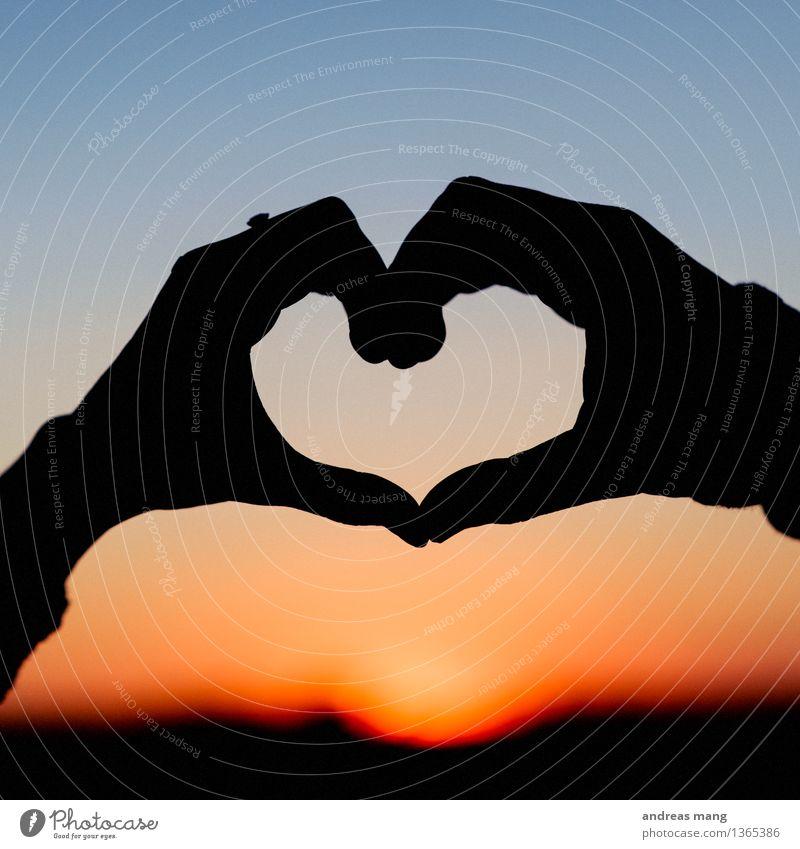 #289 / Herz Hand Leben Liebe Glück Zusammensein Freundschaft träumen Sex Lebensfreude Romantik berühren Ewigkeit nah Kitsch Zusammenhalt