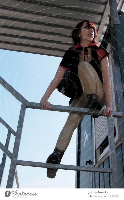 Die Unglaubliche Wand Mauer retten Comic fallen hocken Späher Aussicht Hilfsbereitschaft Macht Frau Prima Held Superheld Superheldin Klettern Superwoman