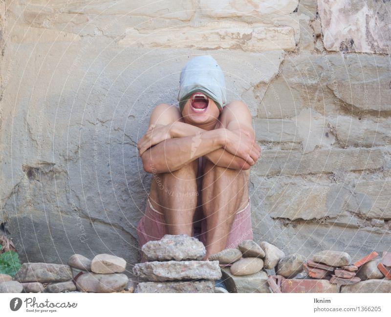 Es reicht! Mensch maskulin Junger Mann Jugendliche 1 18-30 Jahre Erwachsene Traurigkeit Aggression Armut Trauer Schmerz Angst Todesangst Zukunftsangst Stress