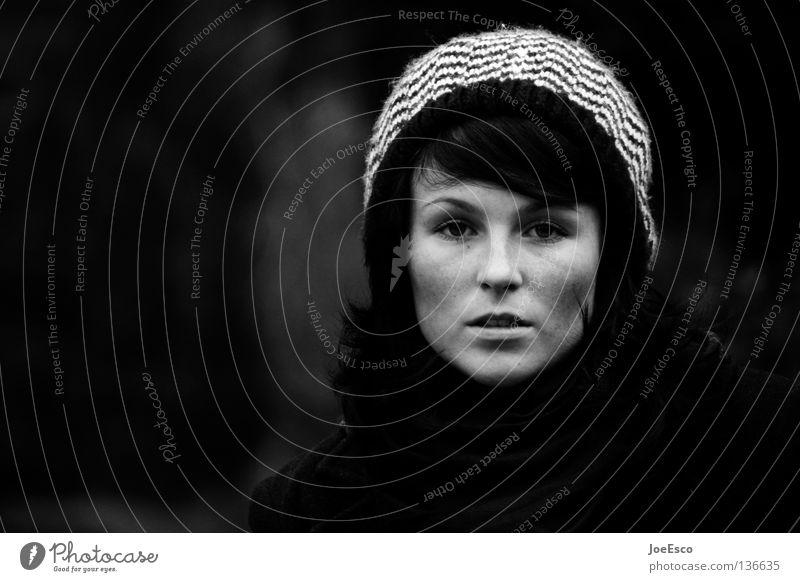 blickkontakt auf augenhöhe Frau Mensch Natur Jugendliche schön Gesicht feminin Gefühle Stil Denken Kraft Erwachsene Coolness Kommunizieren Porträt Kontakt