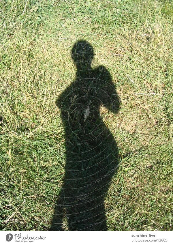 Schattenspiel Frau Natur Sonne Wiese Körperhaltung