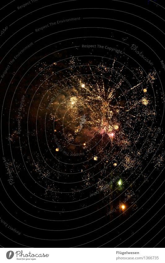 Kawumm Nachtleben Party Silvester u. Neujahr leuchten Sekt Anstoß Neujahrsfest Rakete Feuerwerk Raketenstart Raketenabschussbasis Raketenschweif