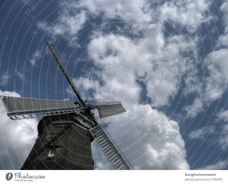 Windmühle Himmel blau weiß Wolken historisch Handwerk Backwaren HDR Mehl Mühle Müller