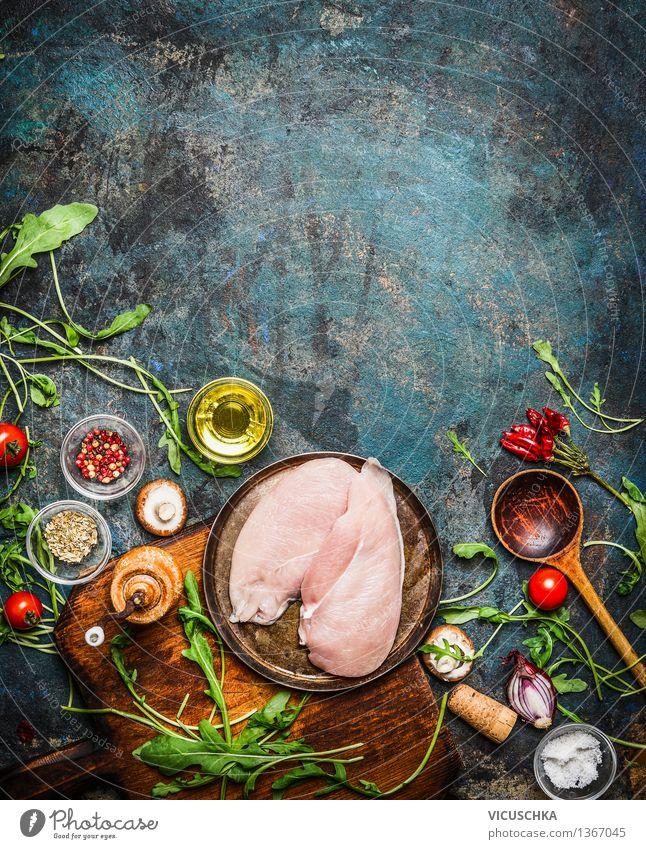 Hähnchenbrust und frische köstliche Zutaten fürs Kochen Gesunde Ernährung gelb Leben Essen Stil Hintergrundbild Lebensmittel Design elegant Glas Tisch