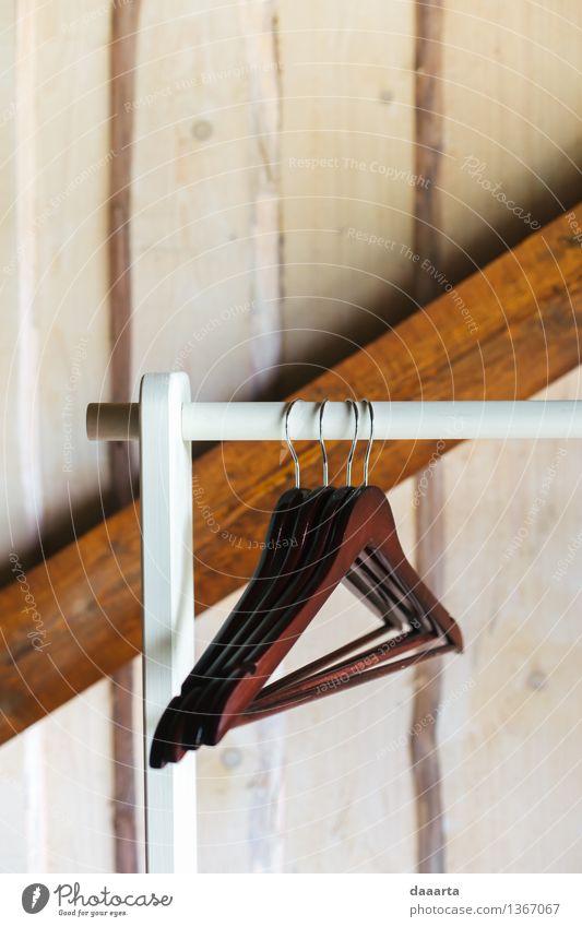 Kleiderbügel Lifestyle elegant Stil Design harmonisch Sommer Häusliches Leben Wohnung Haus Traumhaus Innenarchitektur Möbel hängen Ankleidezimmer Schrank