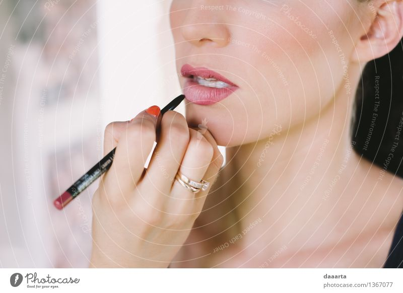 Lippenstift schön Freude Gesicht Leben Liebe Gefühle feminin Stil Lifestyle Feste & Feiern Freiheit Stimmung Party Design Freizeit & Hobby elegant