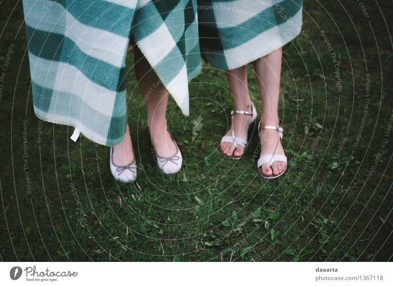 brauche eine Decke Natur Ferien & Urlaub & Reisen Landschaft Freude Wärme Leben Gras feminin Stil Spielen Lifestyle Feste & Feiern Freiheit Stimmung Party