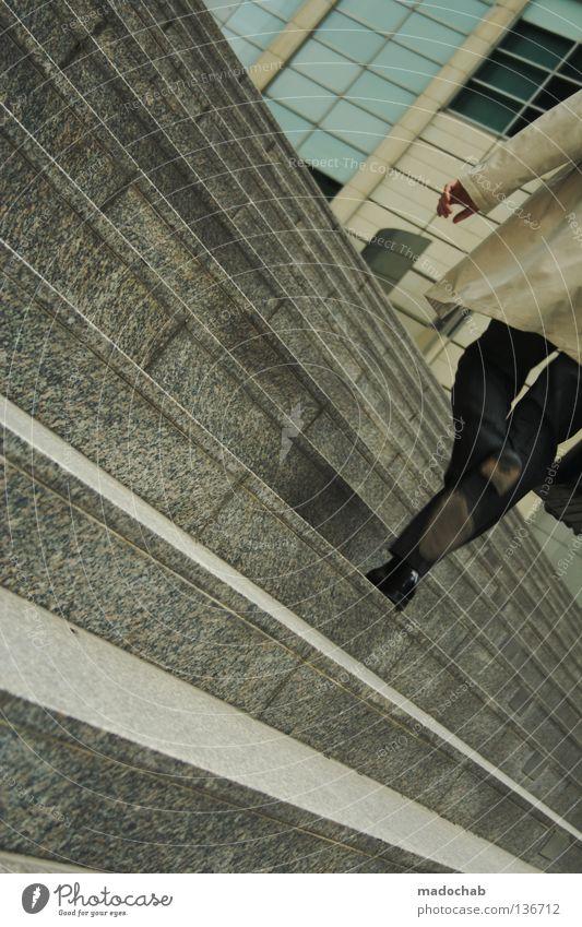 ICH LIEBE MEINEN ARBEITSPLATZ Mensch Mann Stadt Erwachsene Bewegung Beine Business Arbeit & Erwerbstätigkeit gehen laufen Treppe Erfolg Geschwindigkeit Macht Bank Bankgebäude