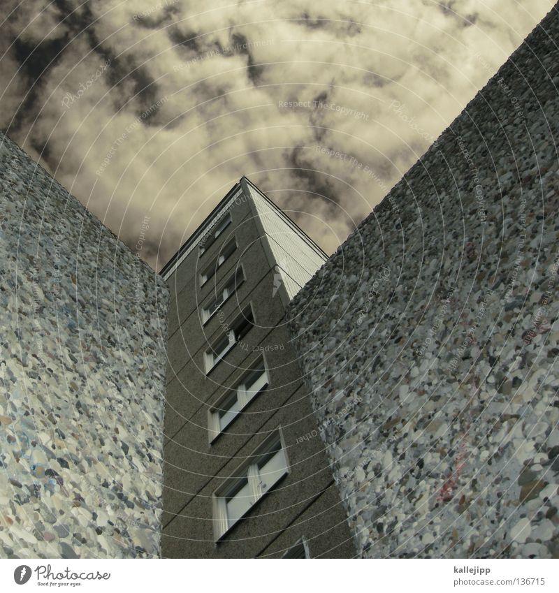 W Himmel Stadt Wolken Haus Wand Fenster Raum Wohnung Perspektive Schriftzeichen Buchstaben Typographie Rahmen Hinterhof anonym