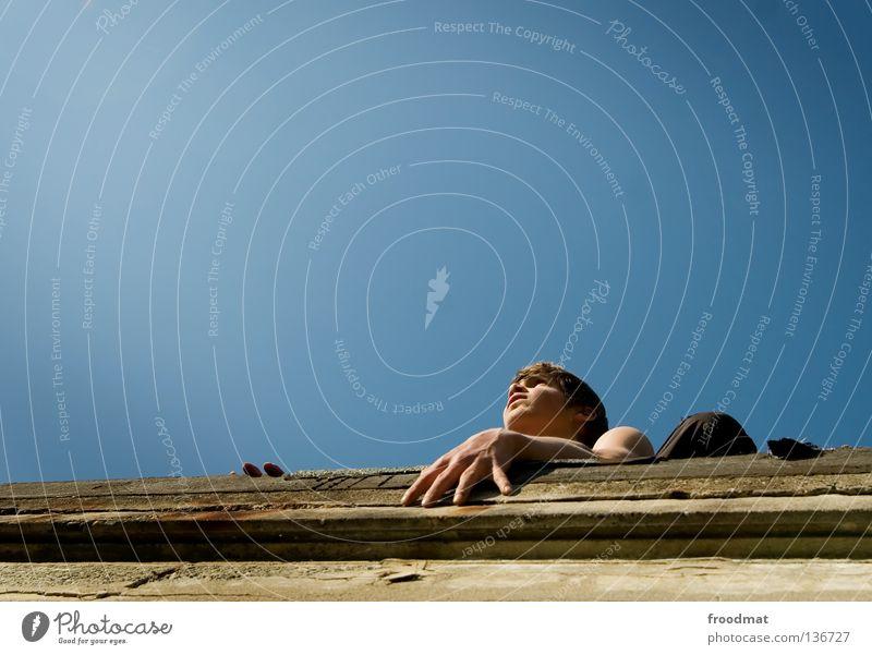 gute aussichten Himmel Jugendliche Hand Freude Erholung Bewegung springen Mauer Zufriedenheit elegant frei ästhetisch Finger verrückt Aktion Coolness