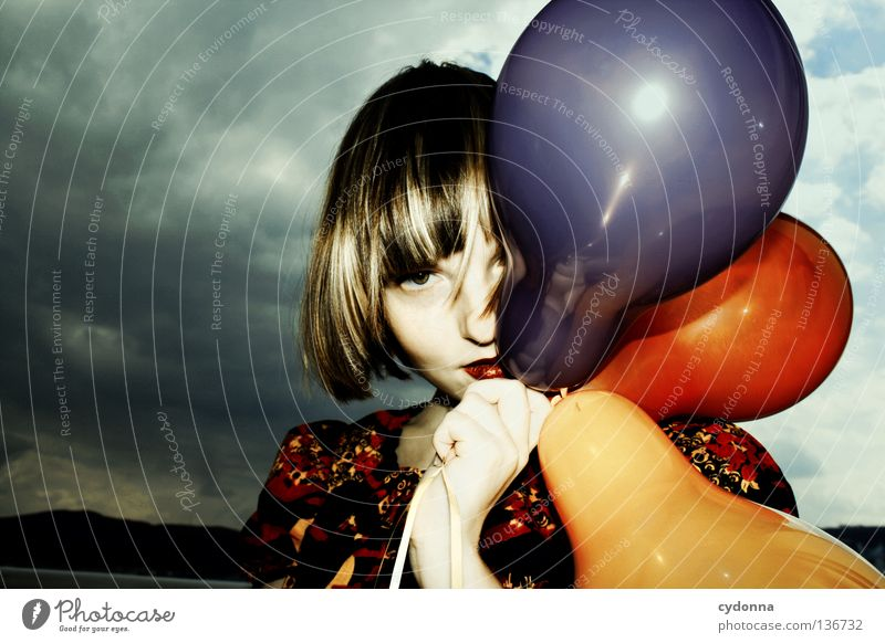 I herz Luftballons mehrfarbig 3 Kleid Stoff Muster retro Nostalgie braun zweiteilig Blume Märchen mystisch Stil Frau hängen Hintergrundbild entdecken kindlich