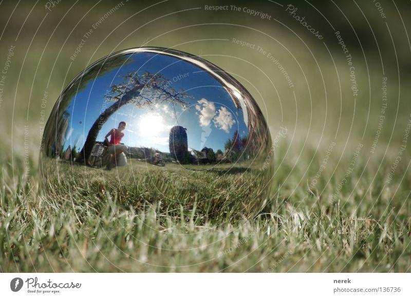 Die Erde ist eine Kugel schön Baum Wolken Rasen fantastisch Spiegel Kugel Fischauge Schaukel Apfelbaum