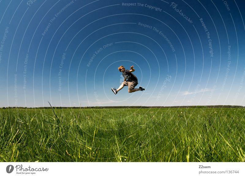 freakout sunday V Himmel Mann Natur Jugendliche blau grün weiß Sommer Wolken ruhig Farbe Ferne Erholung Wiese Landschaft oben