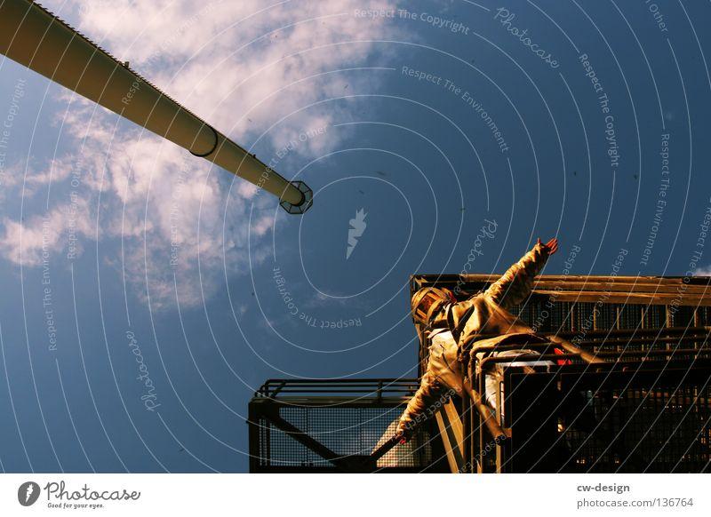 JUMPERS Gegenlicht Schutzanzug Arbeitsbekleidung Anzug Stab hängen Erholung Physik Arbeitsanzug Arbeit & Erwerbstätigkeit Licht Sonnenuntergang Wolken Strommast
