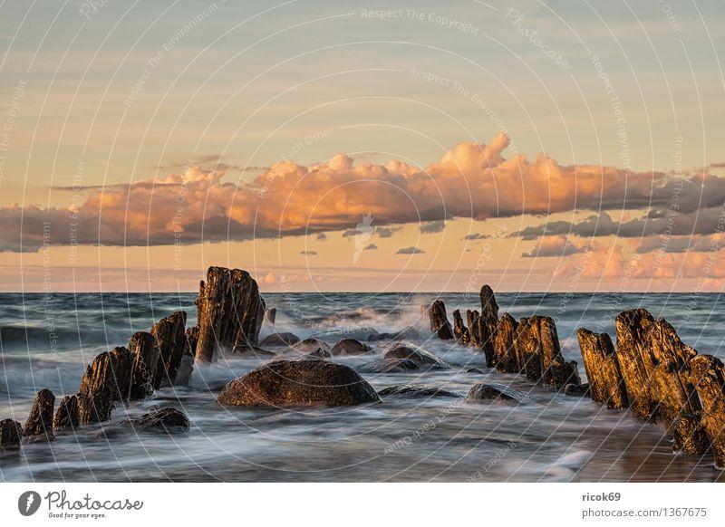 Ostseeküste Erholung Ferien & Urlaub & Reisen Strand Meer Natur Landschaft Wasser Wolken Küste alt Romantik Horizont Idylle ruhig Tourismus Buhne Himmel