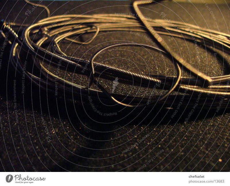 Saiten Schaumstoff dunkel Draht Stahl Makroaufnahme Nahaufnahme Kontrabass Metall