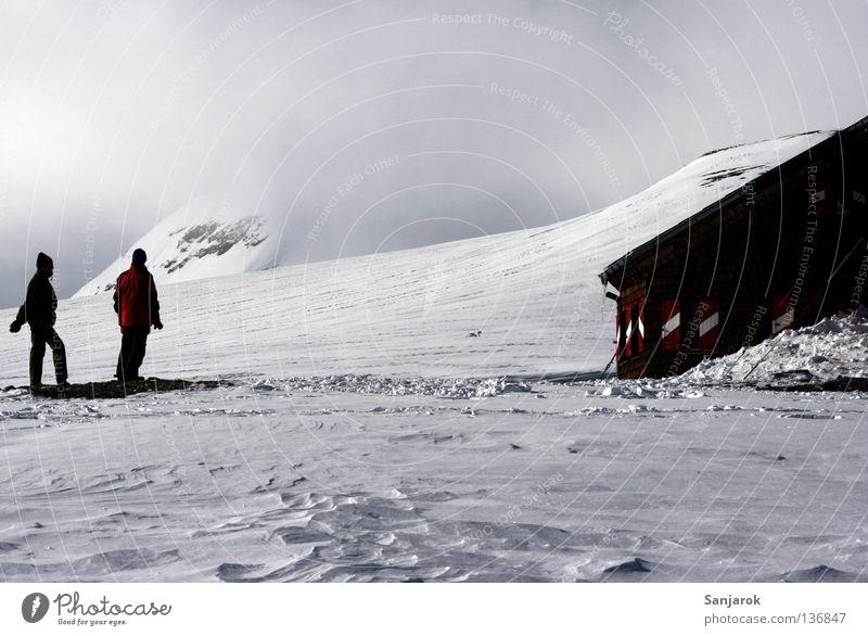 Wir haben es geschafft! Mensch Natur weiß Winter Einsamkeit Haus kalt Schnee Berge u. Gebirge Eis Nebel wandern Ziel Hütte Rettung Bergsteigen