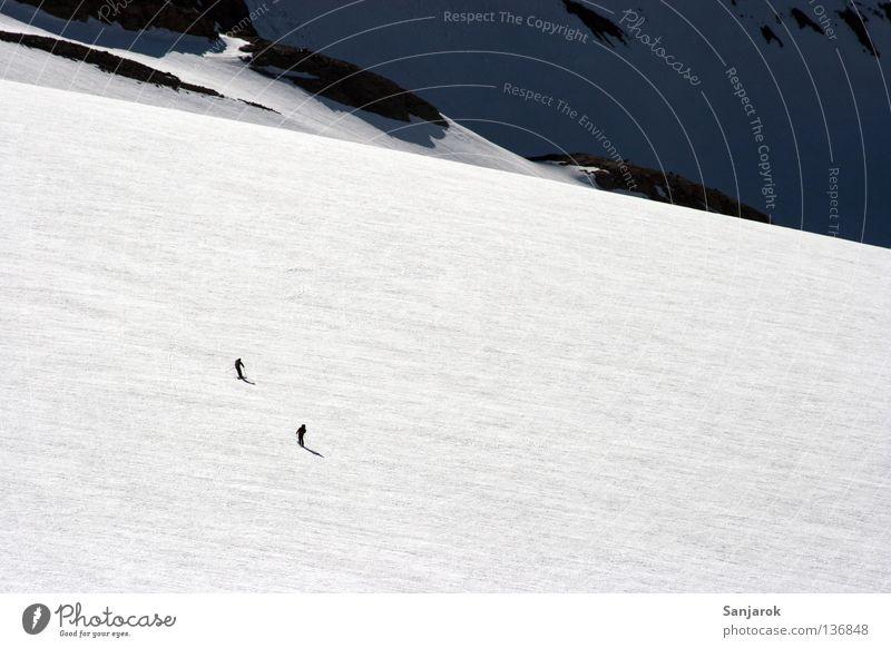 Zweisamkeit Schnee Berge u. Gebirge Eis Skifahren Gletscher Autobahnausfahrt Hochgebirge