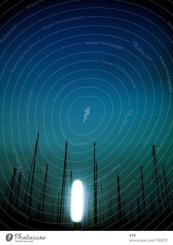 GLOW Gegenlicht glühen Lampe dunkel Jachthafen Wasserfahrzeug Meer Laterne Hafen Schifffahrt Himmel Lichterscheinung Beleuchtung hell Abend Strommast Segel
